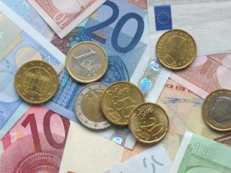 Poupar dinheiro é importante nas viagens